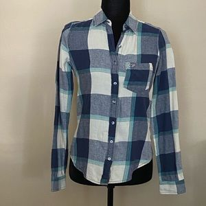 Holloster button up